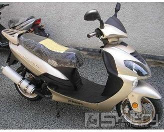 Motorro Adventure 125 - barva platinová