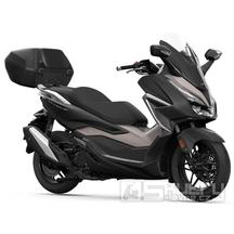 Honda Forza 350 E5 včetně smart kufru 45 l - barva černá