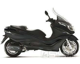 Piaggio X10 125ie - barva černá