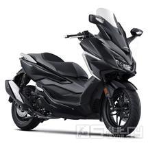 Honda Forza 350 E5 - barva černá